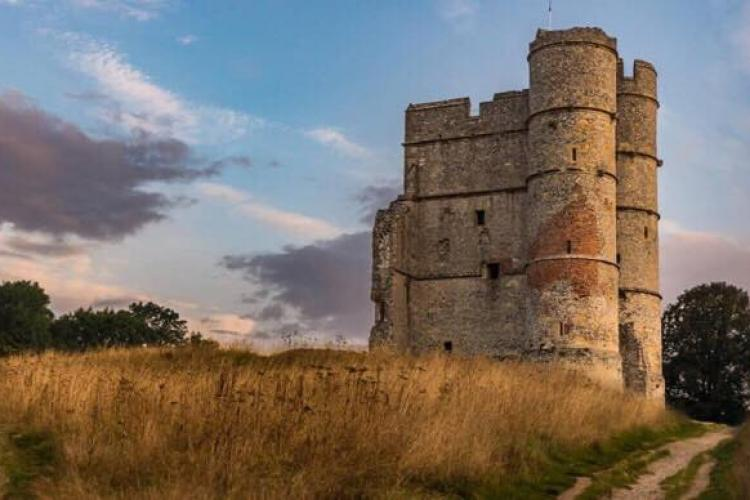 A leisurely stroll to Donnington Castle